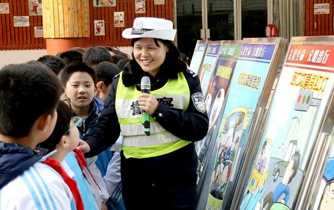 淮北:交通安全知识进校园