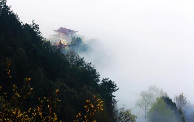 安庆现大雾天气 犹如仙境